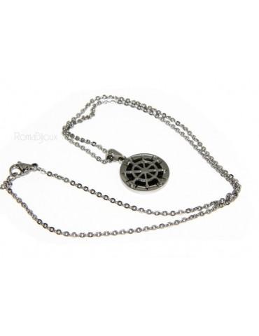 Acciaio : collana forzatina con pendente tondo timone sfondo nero.